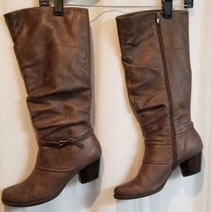 Distressed tall boots 8.5